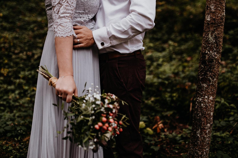 after wedding, gollinger wasserfall, golling, salzburg, hochzeitsfotograf berlin, hochzeitsfotograf, hochzeitsfotograf salzburg, hochzeitsfotografie, blumenbouquet,