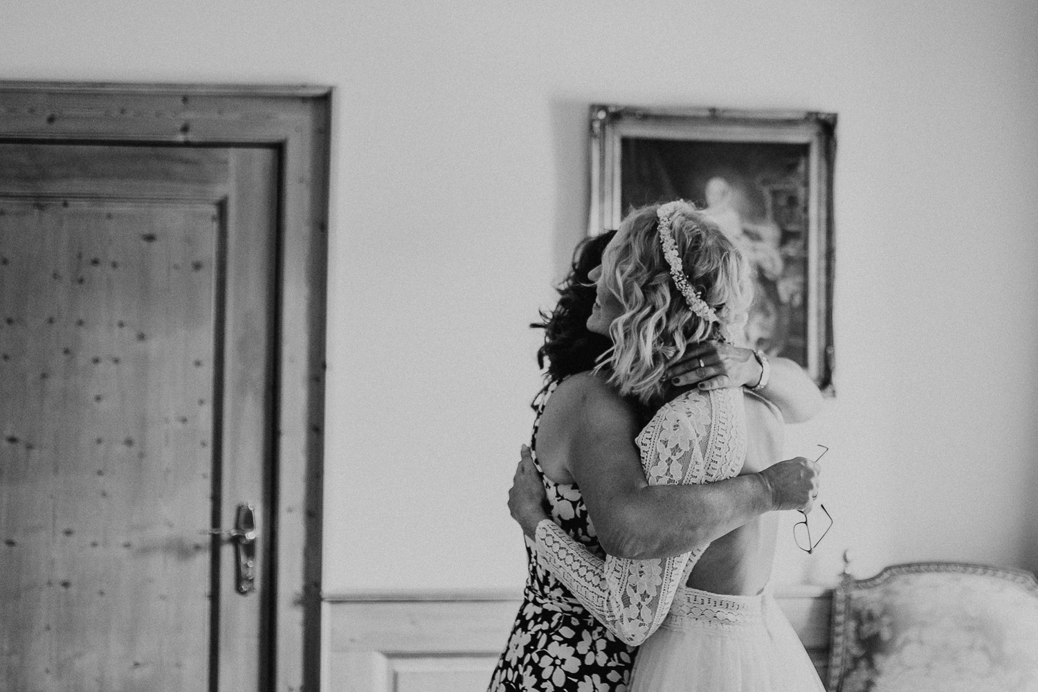 mother and daughter, mother, daughter, getting ready, wedding, vintage