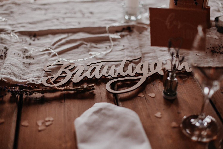 schmiede, schloss diedersdorf, forge, wedding venue, hochzeitslocation berlin, wedding berlin, venue berlin, wedding decor, table decor, table decor inspiration, tischdekoration