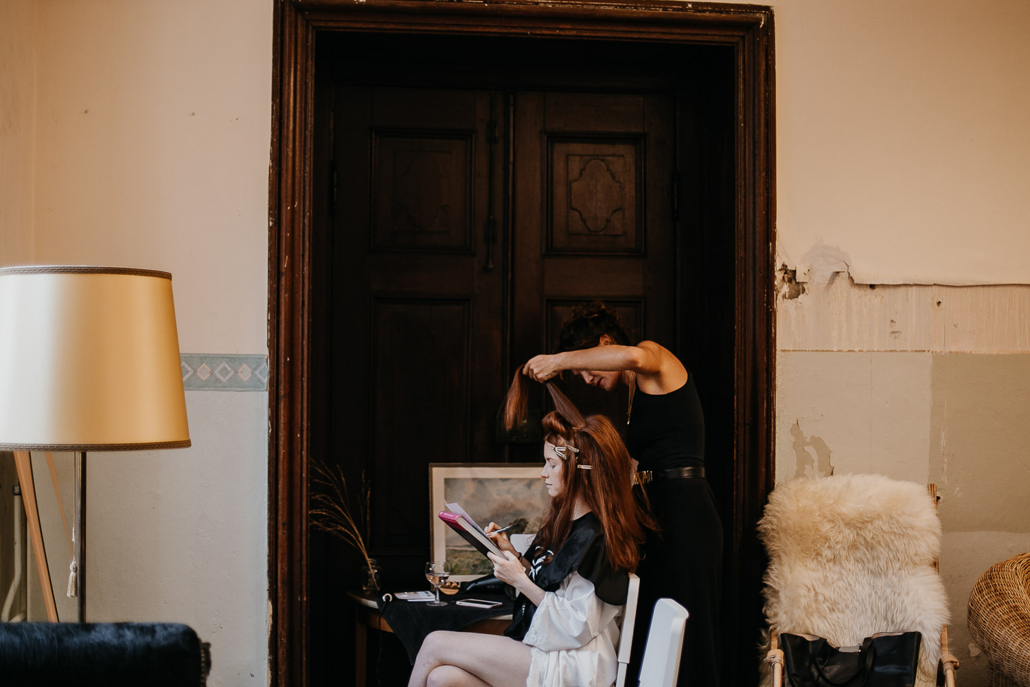 getting ready, gettin ready, make up, make-up, hairstylist, make up and hair stylist,, wedding berlin, kulturschloss roskow, boho bride, boho braut,