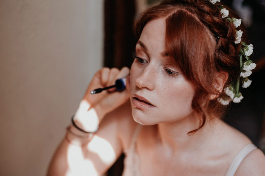 getting ready, gettin ready, make up, make-up, hairstylist, make up and hair stylist,, wedding berlin, kulturschloss roskow, boho bride, boho braut
