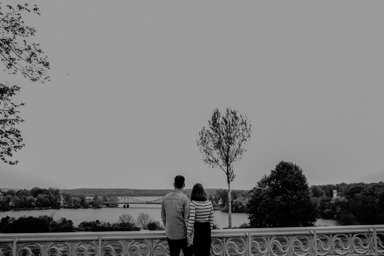 Holding hands, händchen halten, berliner hochzeitsfotograf, paar shooting, couple shooting, berlin, potsdam, hochzeitsplanung, hochzeitsfotograf berlin, hochzeitsfotograf potsdam, hochzeitslocation potsdam, hochzeitslocation berlin