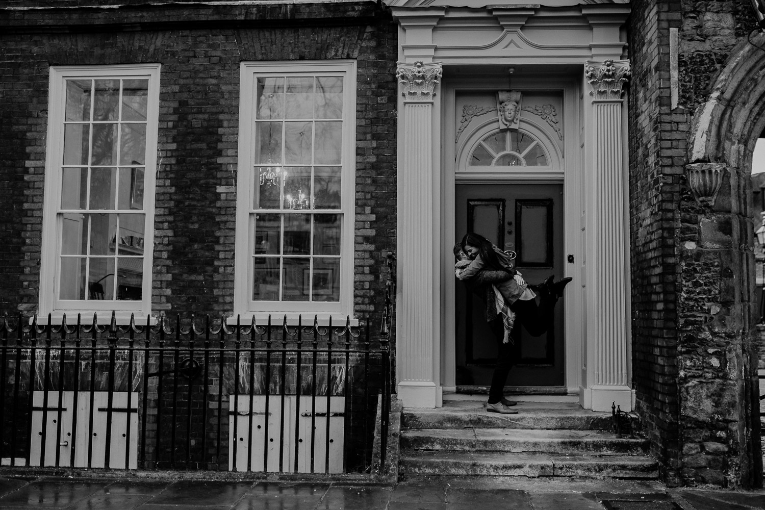 london streets, london architecture, london houses, london couple shooting, london couple photographer, london wedding photographer, urbanes paarshooting in london, urbanes paarshooting, urban couple shooting, london wedding photographer, hochzeitsfotograf london, street photography